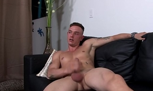 Muscular military hunk enjoys jerking off
