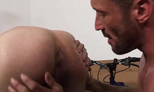 Deepthroating youngster distance with beefy stepdaddy lovingly