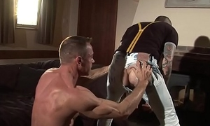 Stud getting doggystyled by horny brit