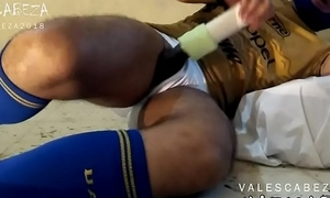 ValesCabeza199 FUCKING HIS FLESHLIGHT 2 SOCCER PLAYER futbolista folla su juguete