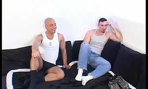 Muscular blank out enjoys a foot licking massage from his buddy