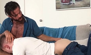 Handsome stepdad raw fucking the cum extensively of horny twink