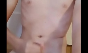 young twink cums